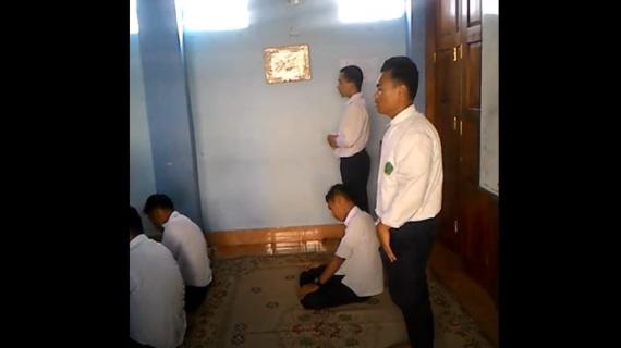 Sebelum Masuk Ruang Ujian, Siswa melaksanakan Sholat Dhuha secara bergantian